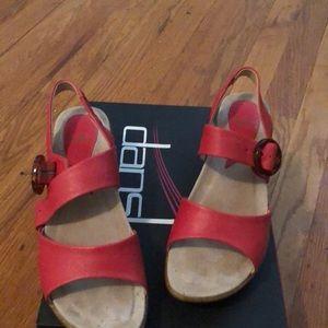 Dansko Adele Napa coral Buckle sandals. Like new!